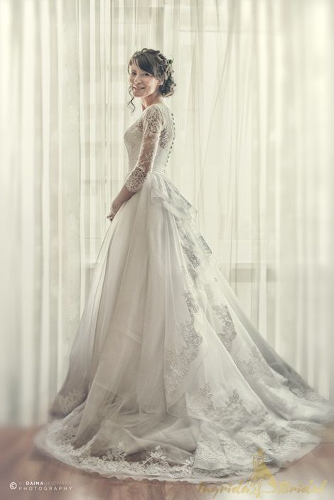 London Wedding Dress Designers Will Make You A Queen